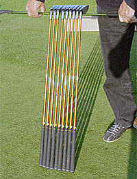 CARVINGGOLF CLUBS with shafts of equal lengths